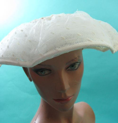 Damn Good Vintage Vintage 40s New Look Platter Hat White